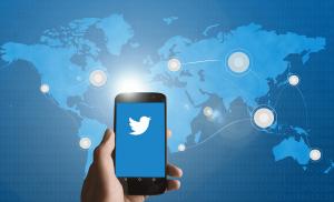 Binance Menambahkan BNB Crypto Emoji di Twitter. Apakah Komitmen $ 50.000 Layak?
