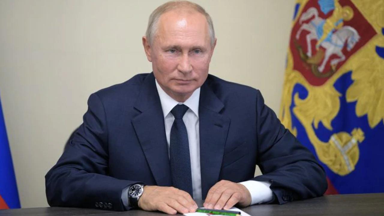 Putin Menandatangani Hukum yang Memberikan Standing Hukum Cryptocurrency di Rusia