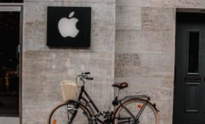 Apple Menghentikan Orang Dari Menghasilkan Uang Selama Resesi, Dugaan Pertukaran Cryptocurrency